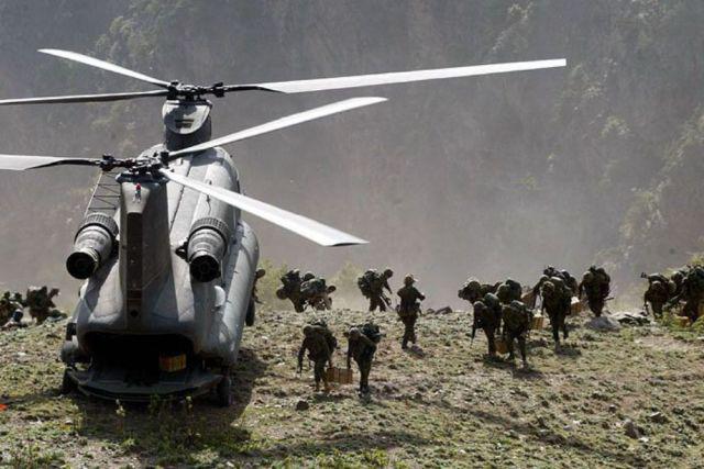 Boeing CH-47 Chinook) - тяжёлый военно-транспортный вертолёт продольной схемы.  Сменил в Армии США вертолёт CH-54 и...