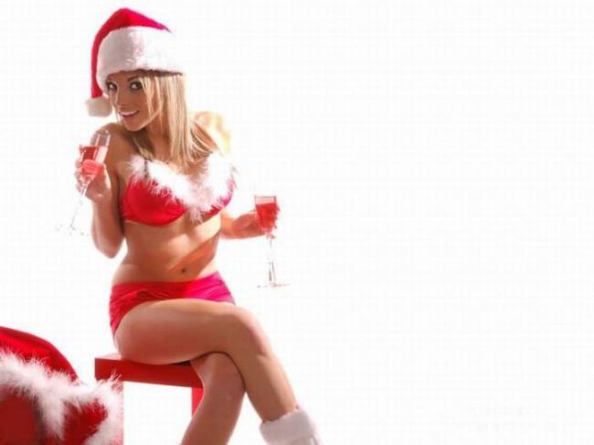 голые девушки в новогодних нарядах