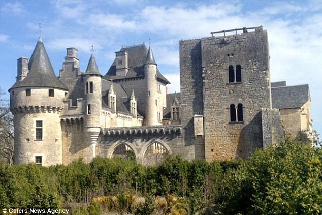 Франция, страна забытых замков.