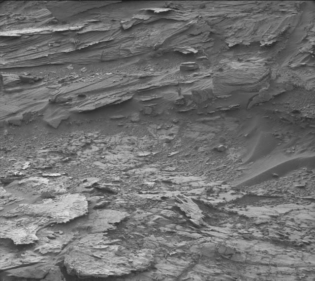 На Марсе сфотографировали женщину-привидение.