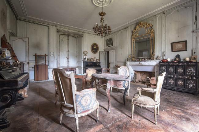 Заброшенный дом во Франции