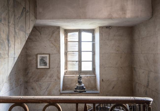 Нет повести печальнее на свете, чем старый дом заброшенный во Франции))).